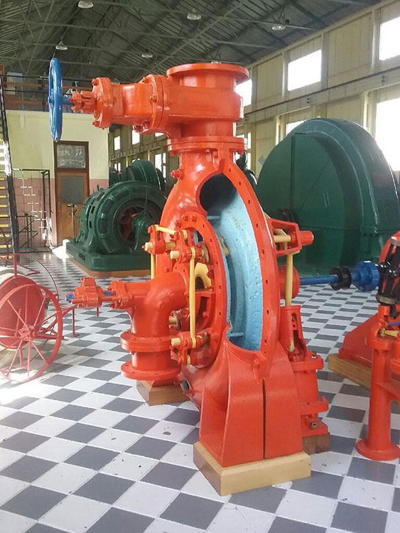 Gilkes 21hp turbine with a Murrays governer